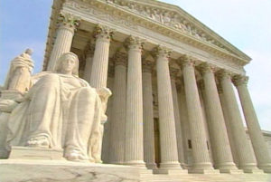 Supreme Court: Abortion Buffer Zone Law Violates the First Amendment